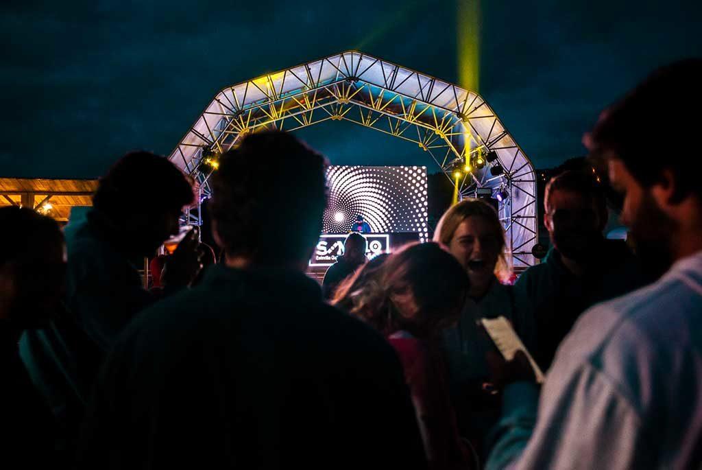 La mejor música electrónica con Wisemen Project este jueves en el Pantín Soundwave Son