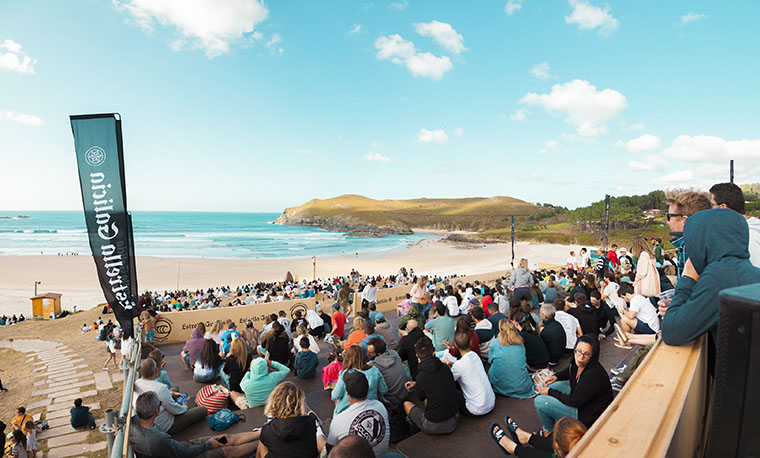 Guaranteed show for the men's QS/10,000 final of the ABANCA Galicia Classic Surf Pro